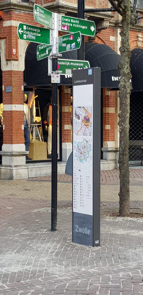 Informatiezuil Luttekestraat, voorzijde