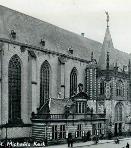 De Stad Vertelt in Academiehuis de Grote Kerk Zwolle, (foto: Grote Kerk in 1954)