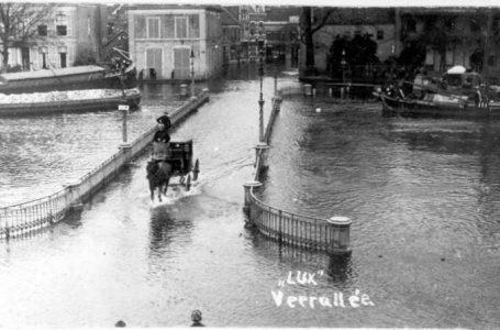 Lezing Hoogwater in Zwolle, Nieuwe Havenbrug, fotografisch bedrijf LUX in de Veerallee, 1916